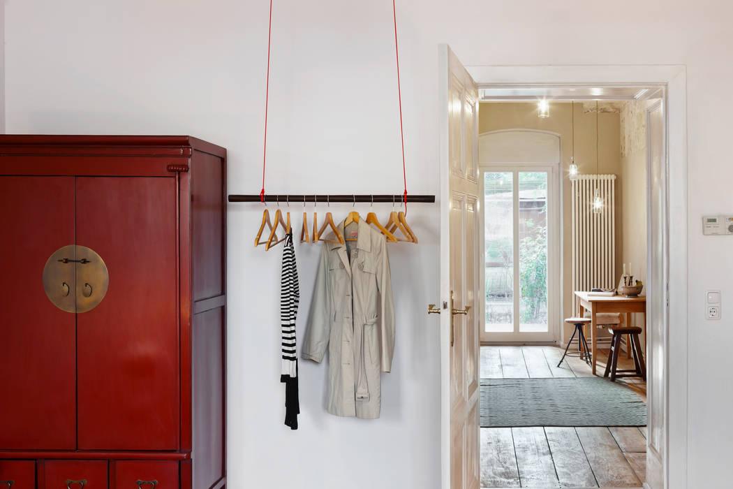 Wohnung Dror Industriale Ankleidezimmer von Birgit Glatzel Architektin Industrial Holz Holznachbildung