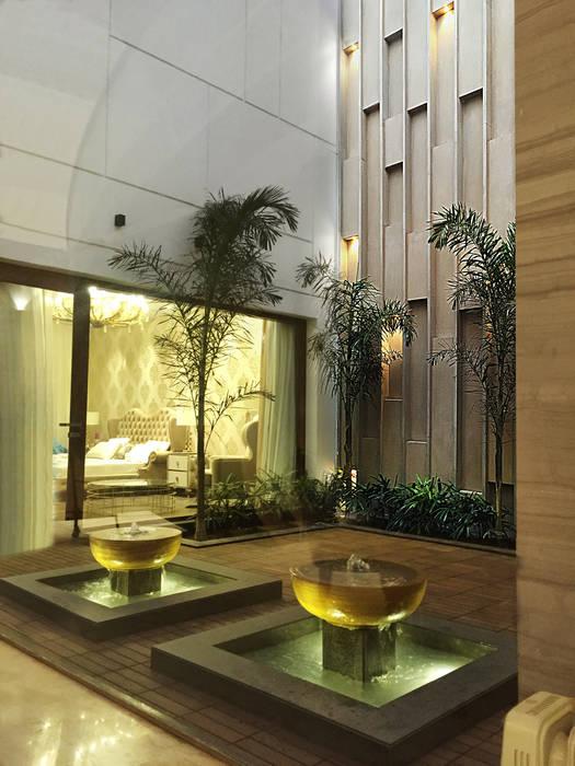 Open courtyard Modern corridor, hallway & stairs by 23DC Architects Modern