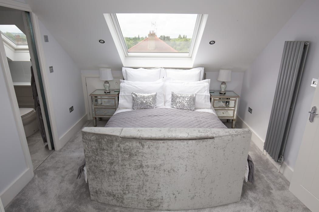 I'd never want to leave this bed!:  Bedroom by The Market Design & Build, Modern
