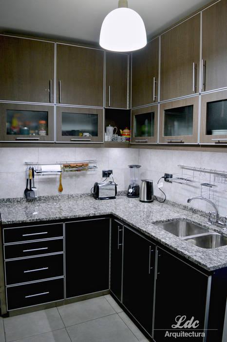 LDC Arquitectura Modern Kitchen Metal Wood effect