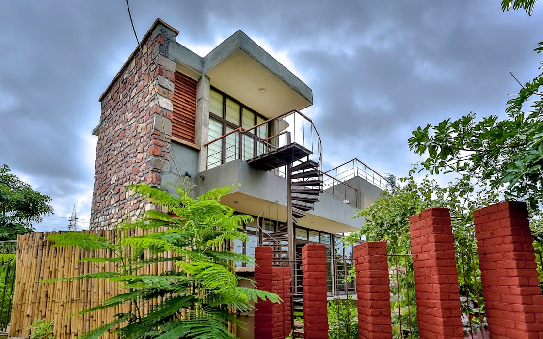 Villa Aaranyak prarthit shah architects Modern houses