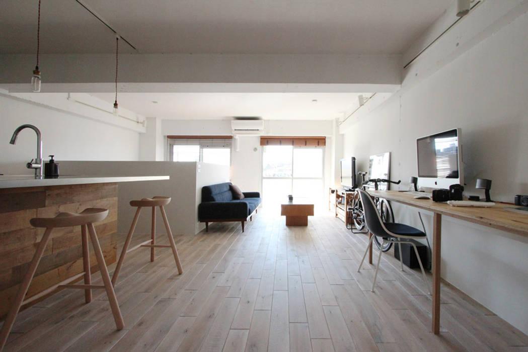 otokonoshiro Salones de estilo minimalista de nuリノベーション Minimalista