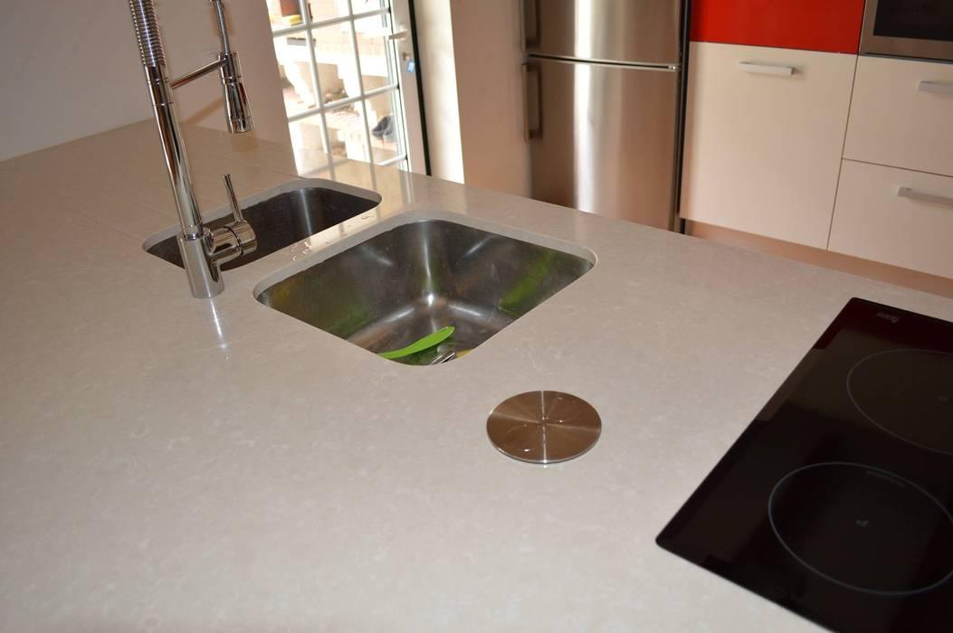 Pia e placa Cozinhas modernas por Ansidecor Moderno Quartzo
