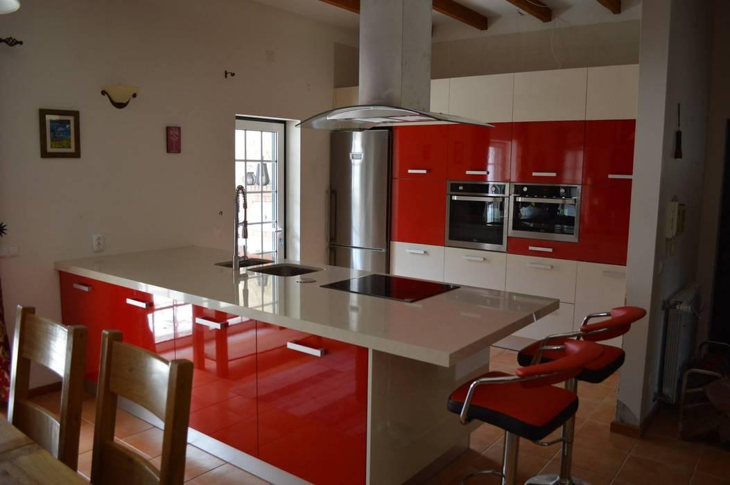 Vista da cozinha: Escritórios e Espaços de trabalho  por Ansidecor