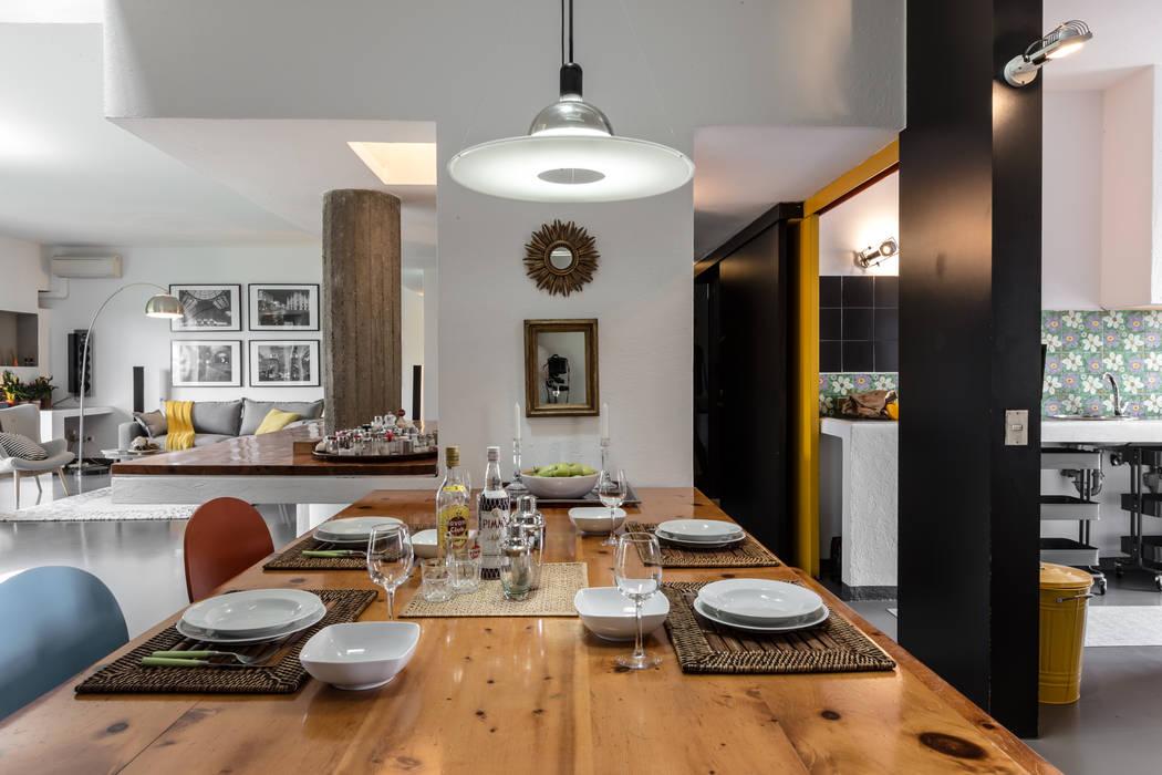 Salas de jantar modernas por Architrek Moderno