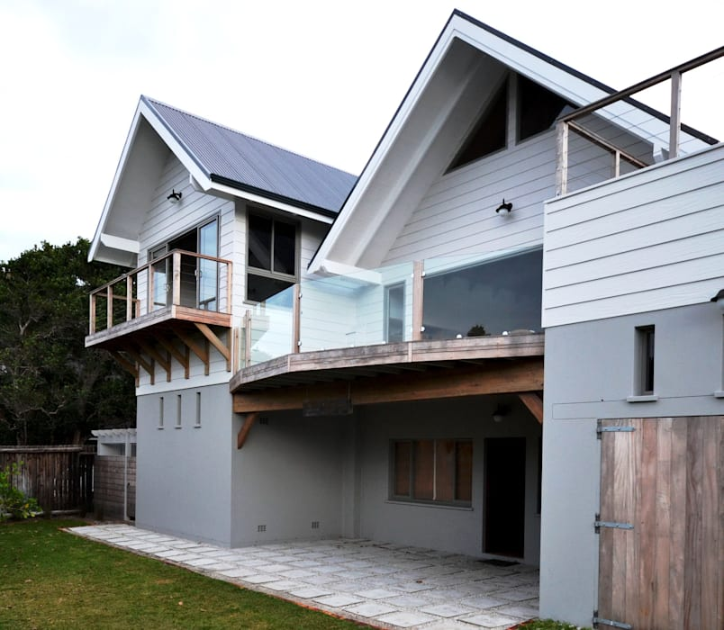 Timber House Renovation Country style house by Nieuwoudt Architects Country Wood Wood effect