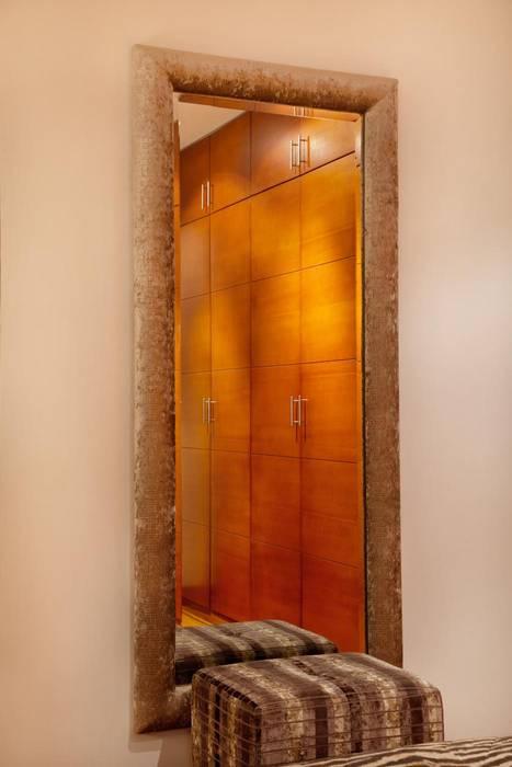 Diseño de espejo Dormitorios de estilo ecléctico de homify Ecléctico