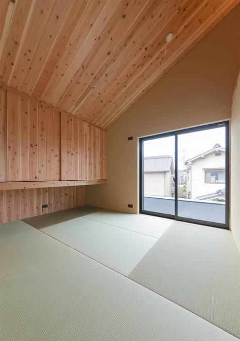 Modern style bedroom by 中村建築研究室 エヌラボ(n-lab) Modern Wood Wood effect