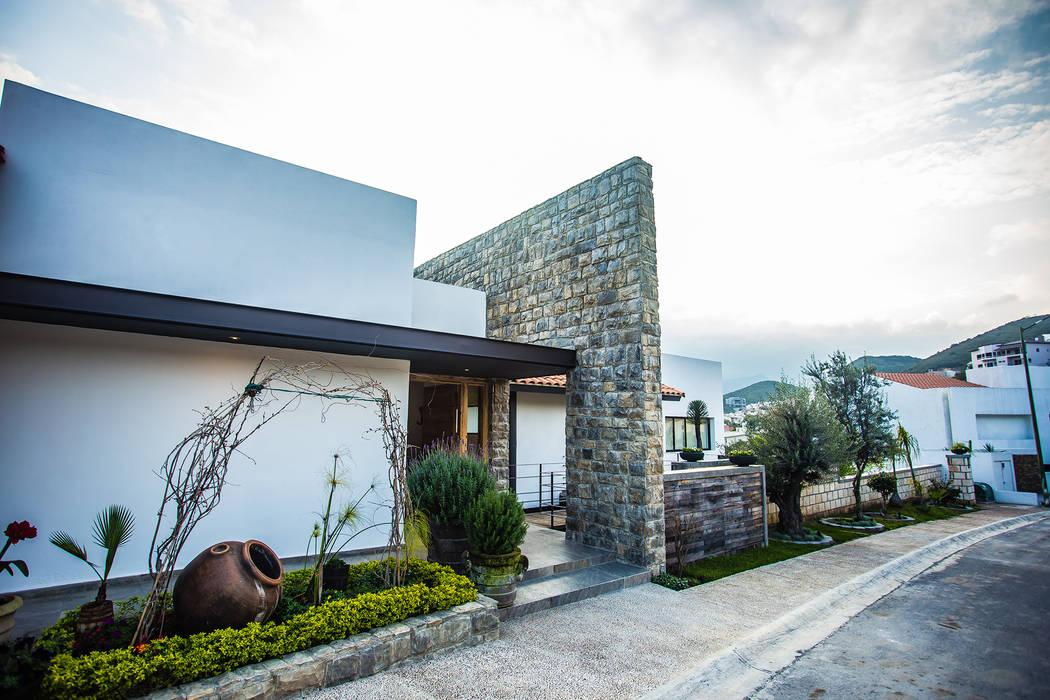 Fachada frontal Casas modernas de ICAZBALCETA Arquitectura y Diseño Moderno
