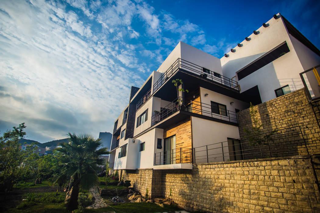 Casa IZ Casas modernas de ICAZBALCETA Arquitectura y Diseño Moderno