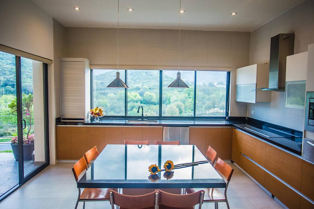 Cucina in stile  di ICAZBALCETA Arquitectura y Diseño