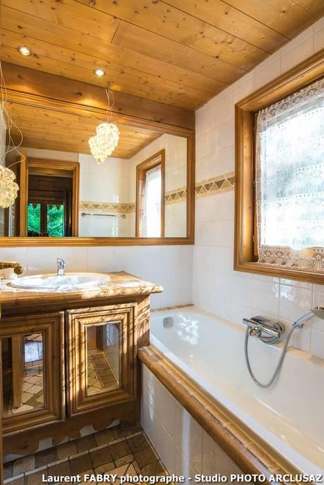 Chalet de montagne à méribel, alpes, savoie salle de bain ...