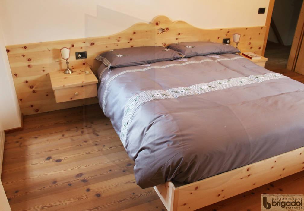 Letto Rustico Legno : Il profumo del legno di cirmolo camera da letto in stile in stile