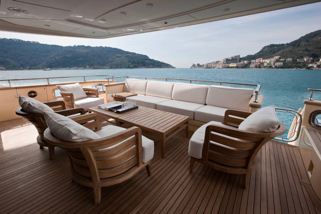 Yachts & Jets de style  par Mondial Marmi SRL, Moderne