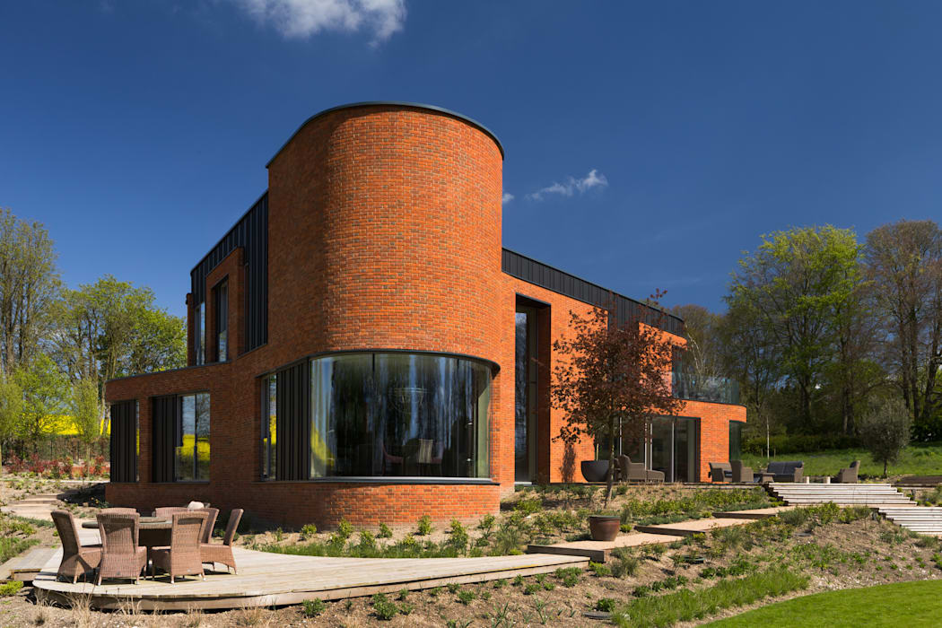 Incurvo Modern houses by Adrian James Architects Modern Bricks