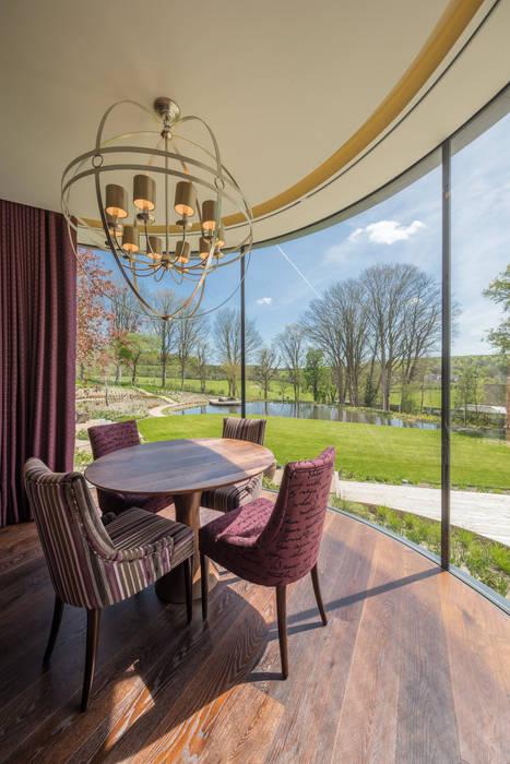 Incurvo Modern dining room by Adrian James Architects Modern