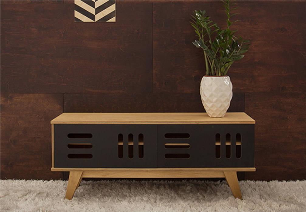 Tv-unterschrank-sideboard huh: wohnzimmer von baltic design shop ...