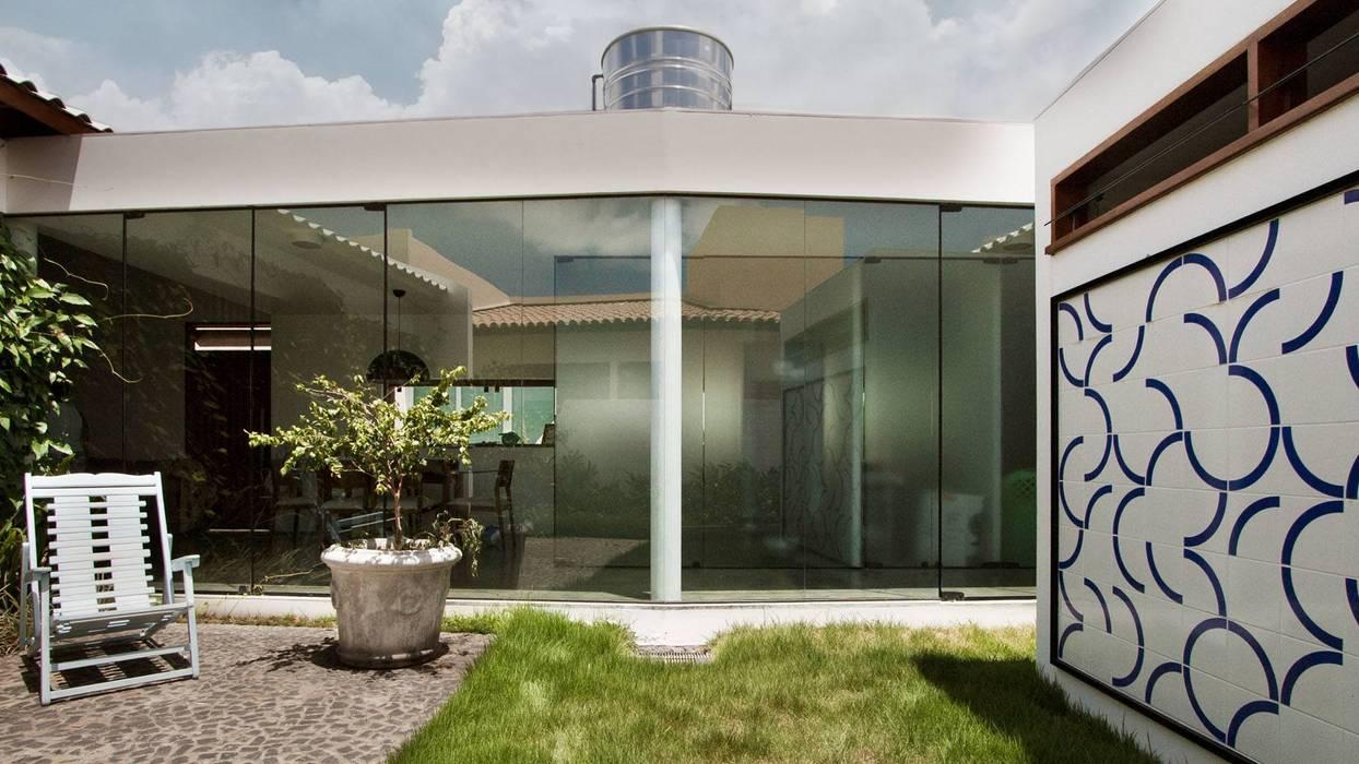 Coletivo de Arquitetos Minimalist houses
