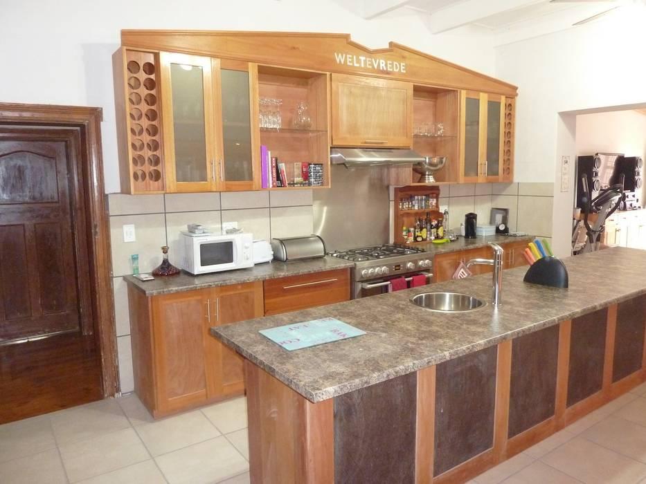 Cozinhas campestres por GreenCube Design Pty Ltd Campestre Madeira Efeito de madeira