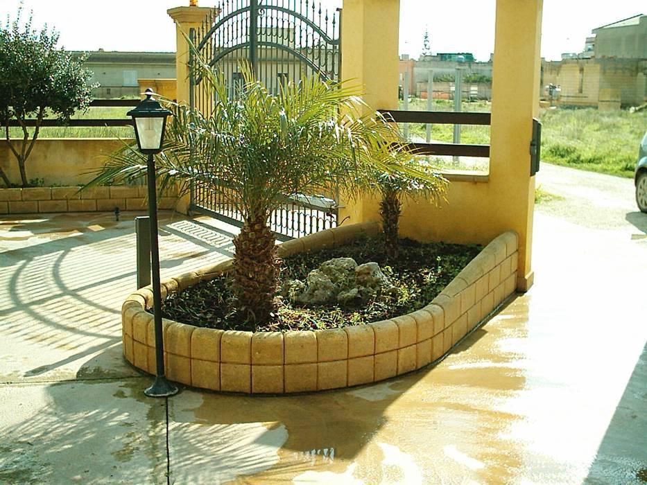 Arredamento Stile Mediterraneo : Arredamento giardino giardino in stile in stile mediterraneo di