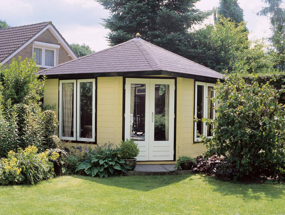 Study/office by Garden Affairs Ltd, Classic Wood Wood effect