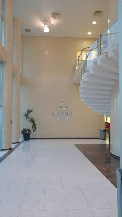 極簡主義  by RecreARQ Construcciones, 簡約風 玻璃