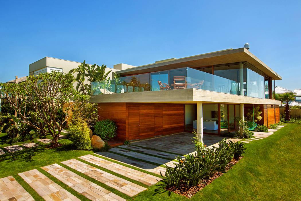 Casa La Plage Casas modernas por Stemmer Rodrigues Moderno