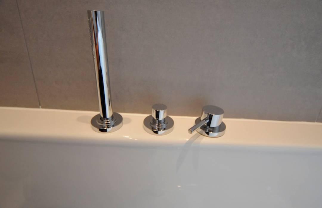 referentie Hoofddorp Minimalistische badkamers van AGZ badkamers en sanitair Minimalistisch Kunststof