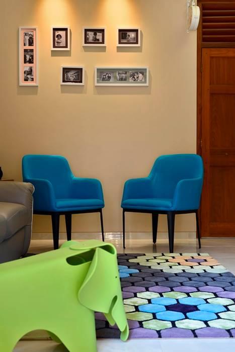homify Modern living room Tiles Blue
