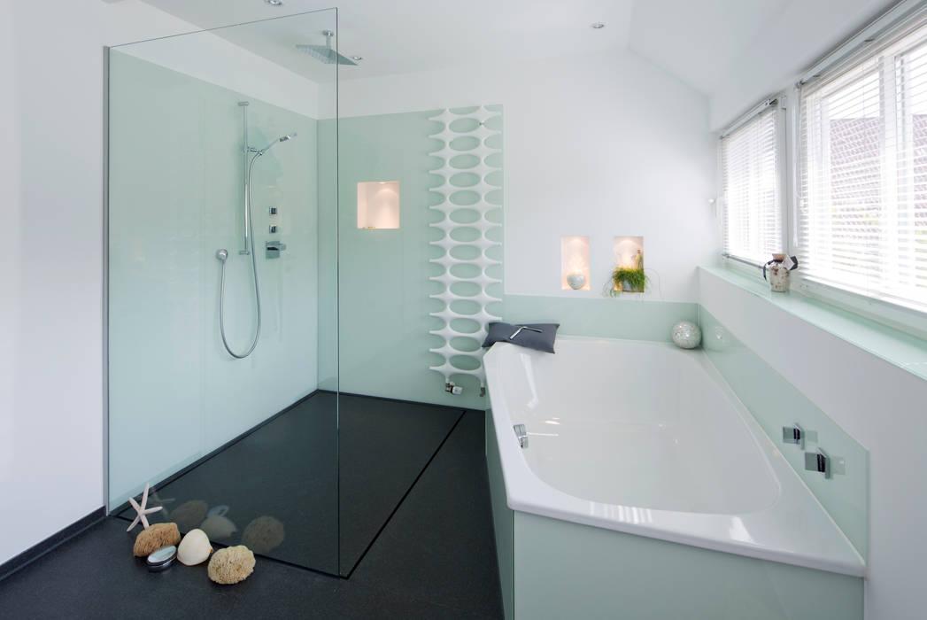 baqua - innovative Badlösungen - die neue Art zu Duschen / bodenebene Duschen Moderne Badezimmer von Natursteinwerk Rechtglaub-Wolf GmbH Modern Granit