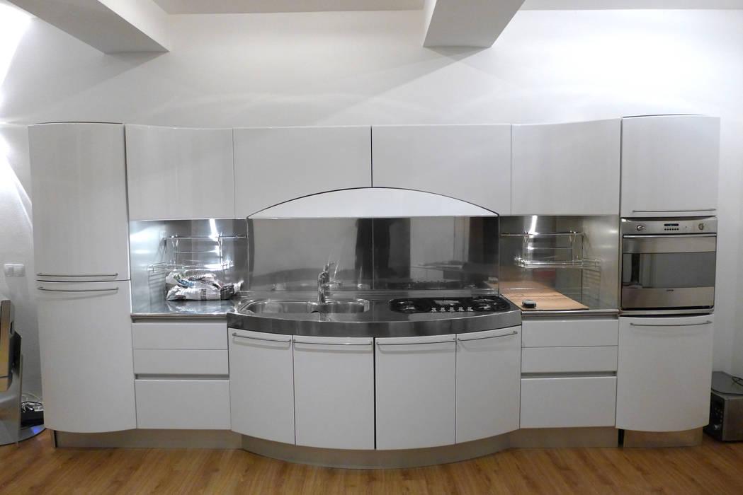 Nachher: küche weiß hochglanz: küche von resimdo | homify