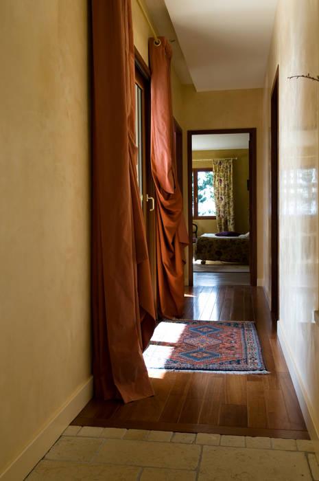 Couloir parquet Pierre Bernard Création Couloir, entrée, escaliers rustiques