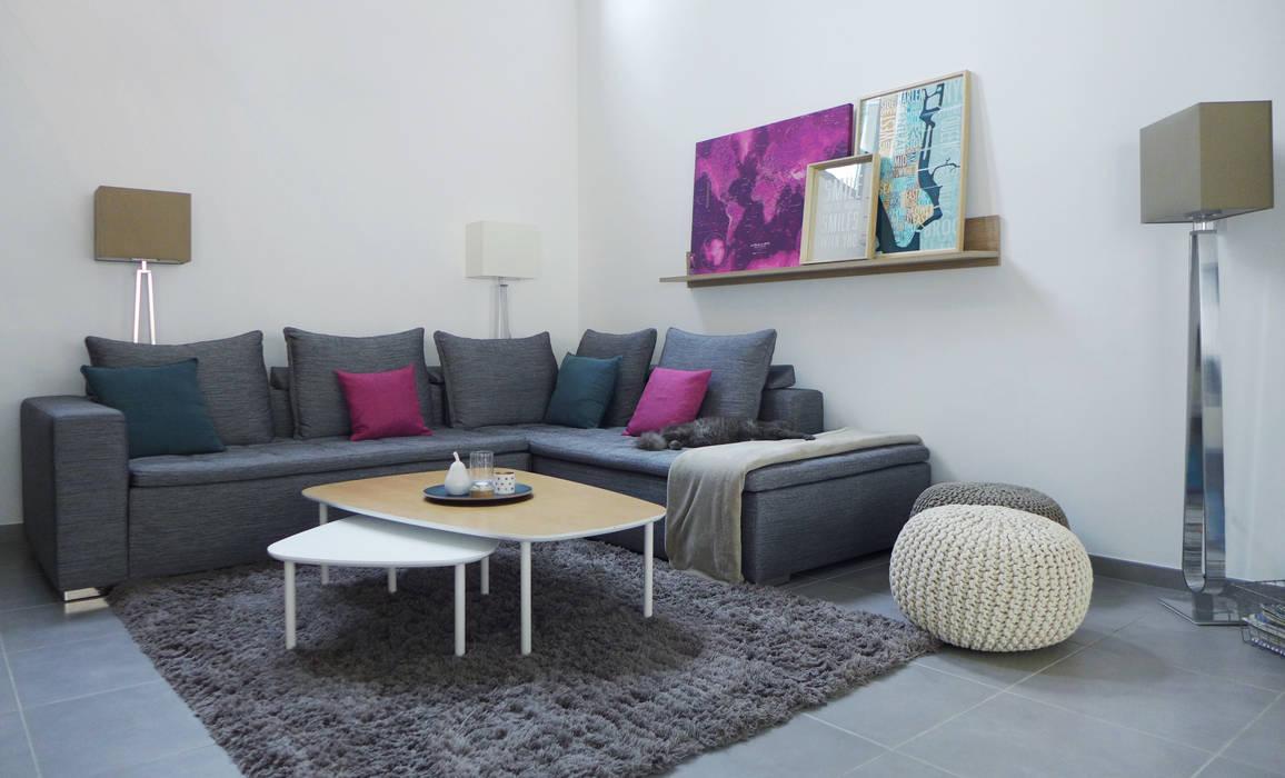 Un salon cosy et chic.: Salon de style de style Scandinave par Skéa Designer
