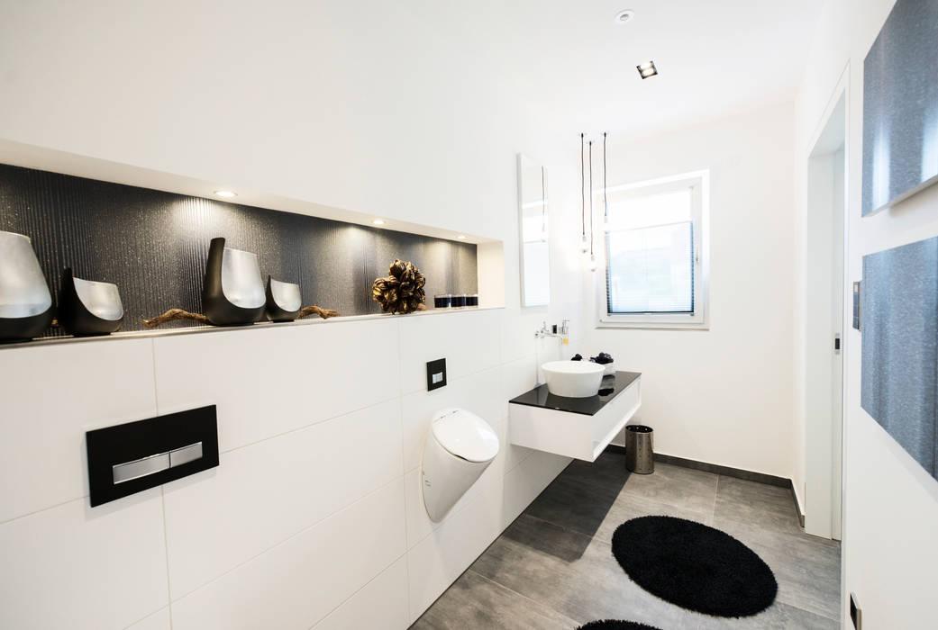 Reprasentative Villa Moderne Badezimmer Von Traume Ideen