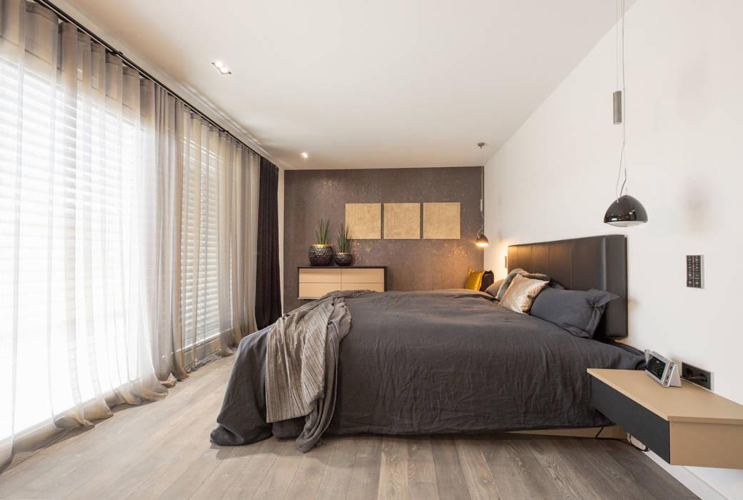Exklusiver schlaftrakt einer villa moderne schlafzimmer von ...