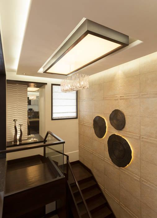 Flat @ Tirupur Cubism Modern corridor, hallway & stairs