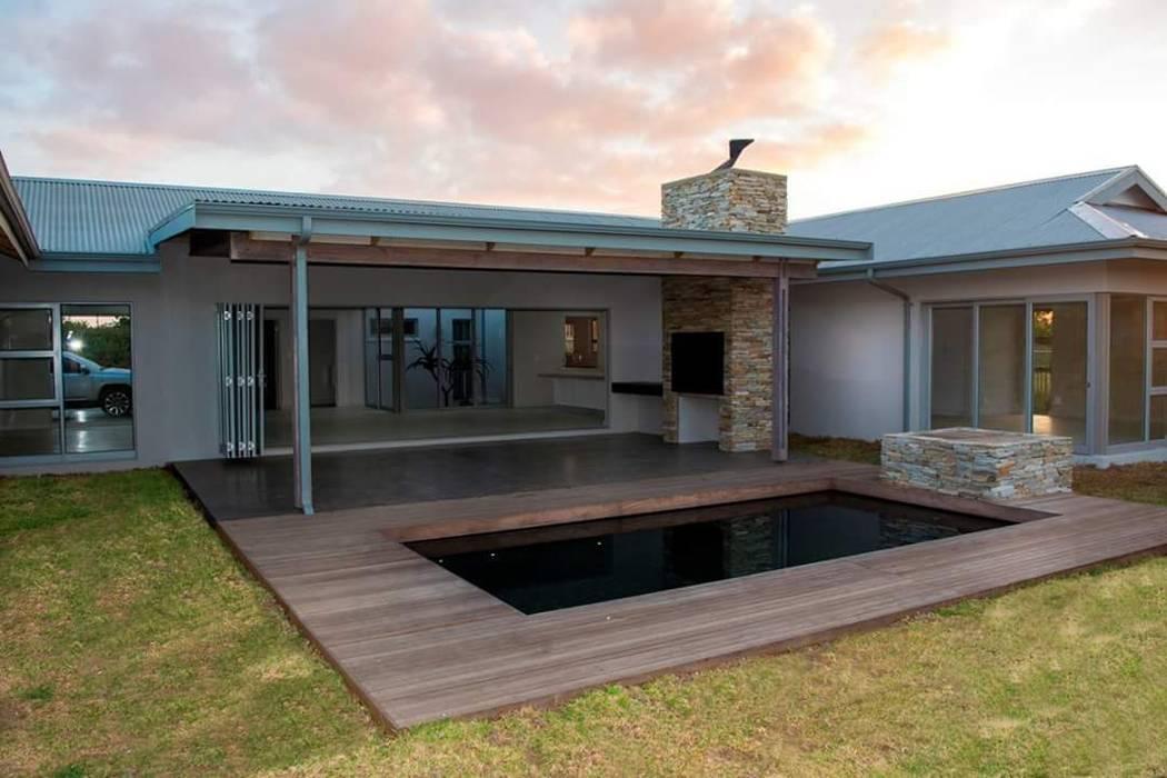 Kolam Renang oleh CA Architects, Minimalis