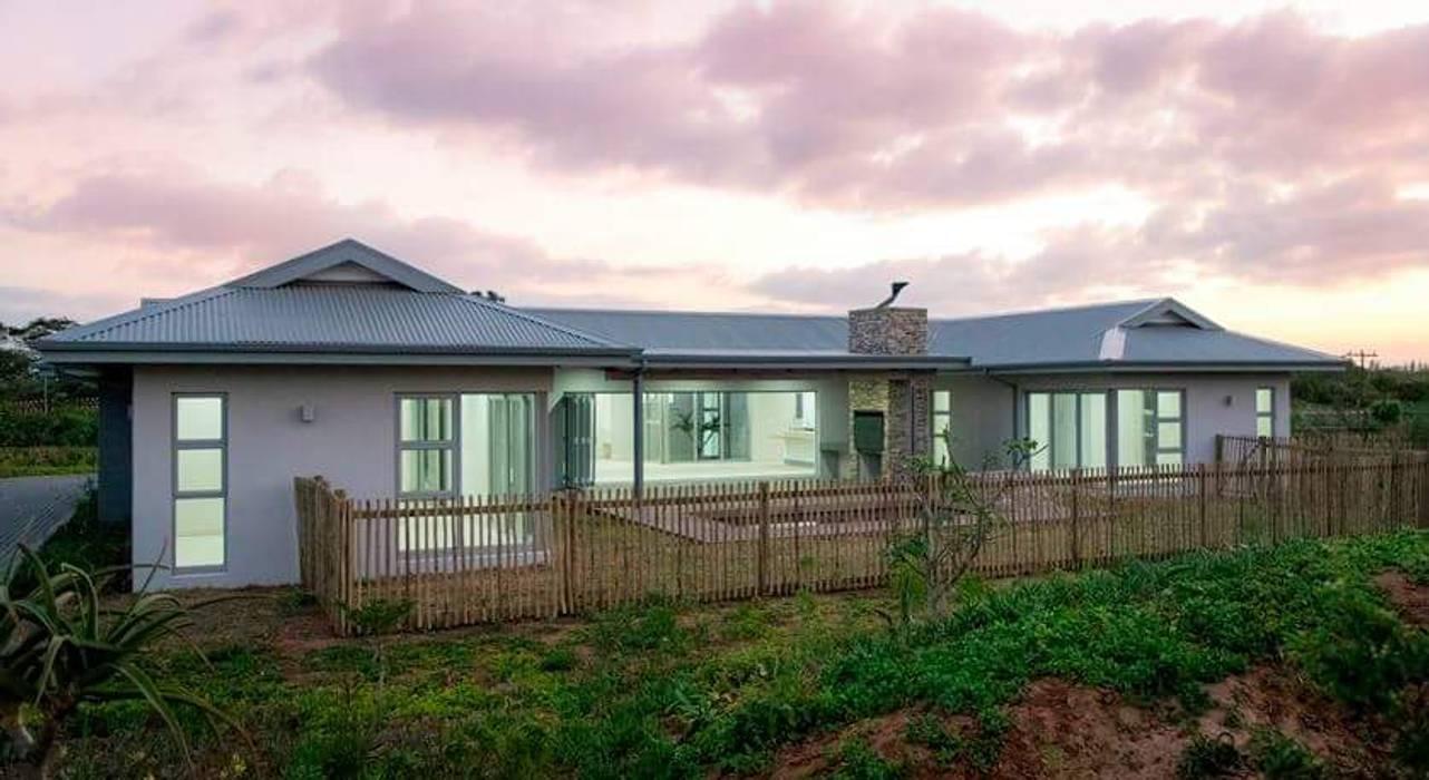 Casas de estilo  por CA Architects, Minimalista
