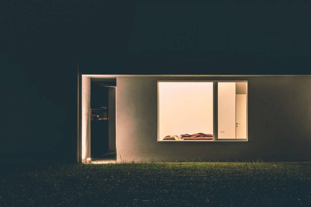 Puertas y ventanas modernas de ALDENA Moderno