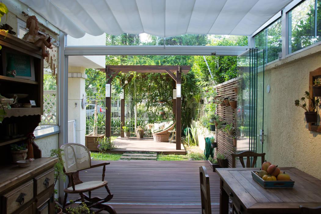 Balcones Y Terrazas De Estilo Rústico De Expace Espaços E