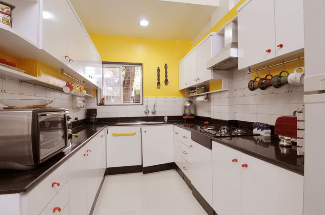 Modern Style Kitchen :  Kitchen by Nishtha interior