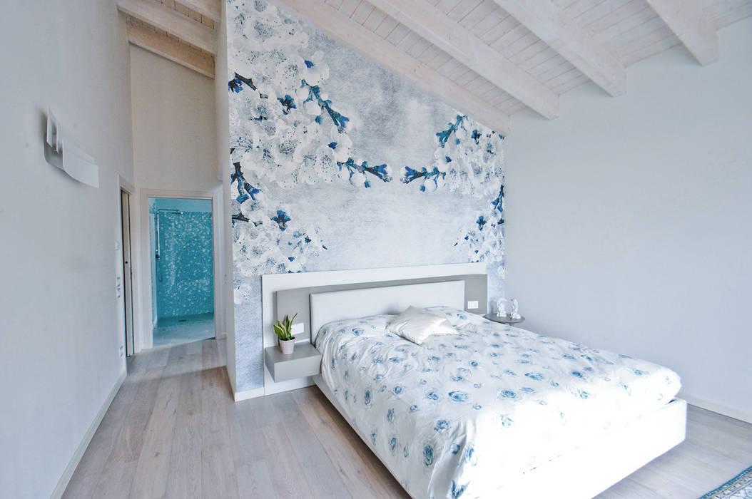 MCArc Villa MC Interior Design: Camera da letto in stile in stile Moderno di MCArc Laboratorio di architettura sostenibile