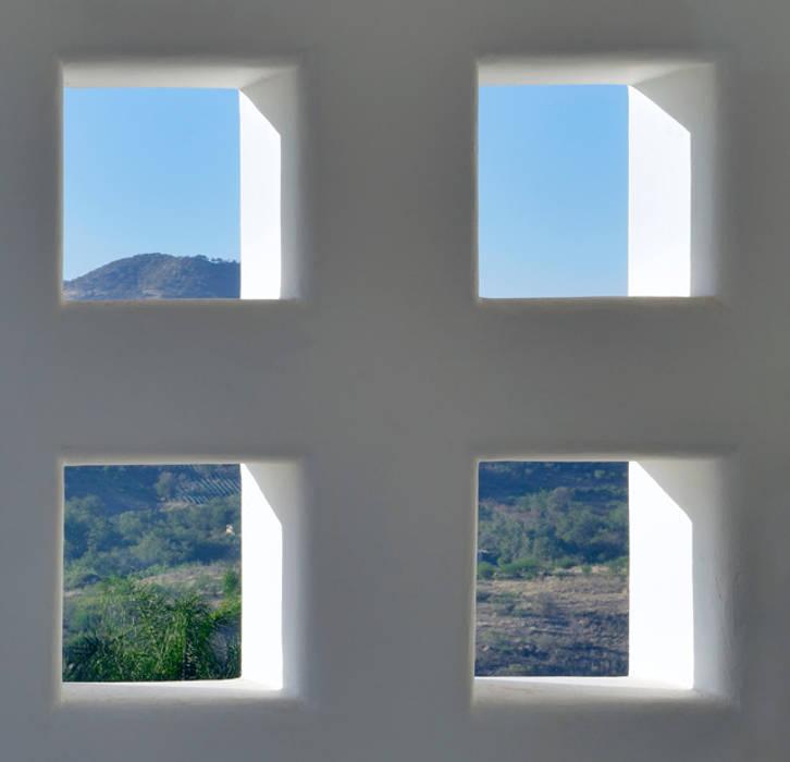 ventanales Puertas y ventanas de estilo colonial de Excelencia en Diseño Colonial Ladrillos