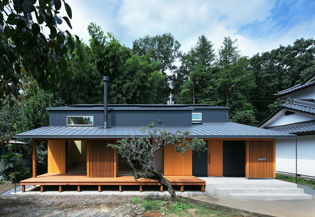 Eclectic style houses by かんばら設計室 Eclectic Metal