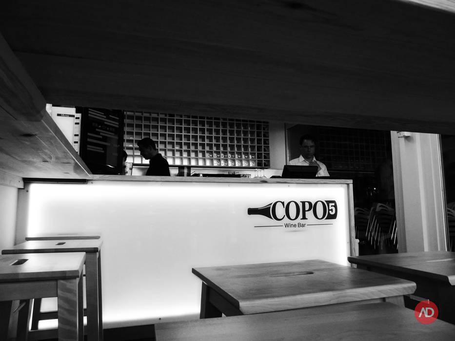 Wine Bar: Espaços de restauração  por ARCHDESIGN | LX,