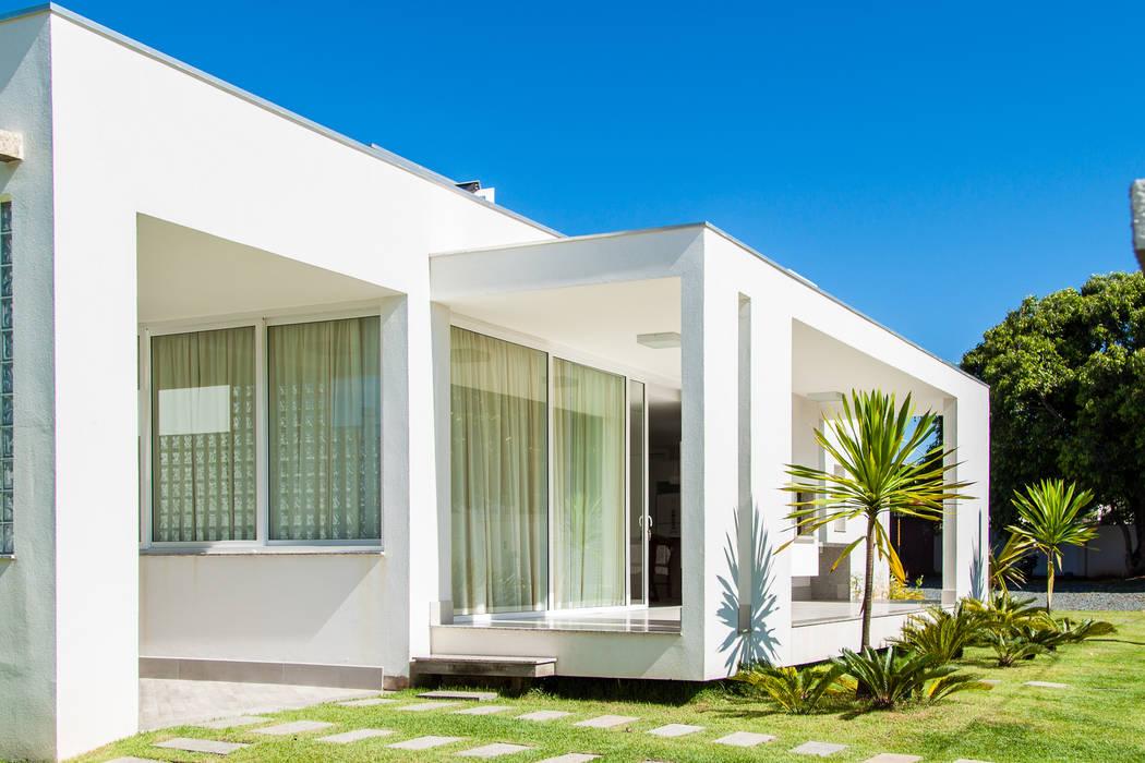 Hiên, sân thượng by PJV Arquitetura