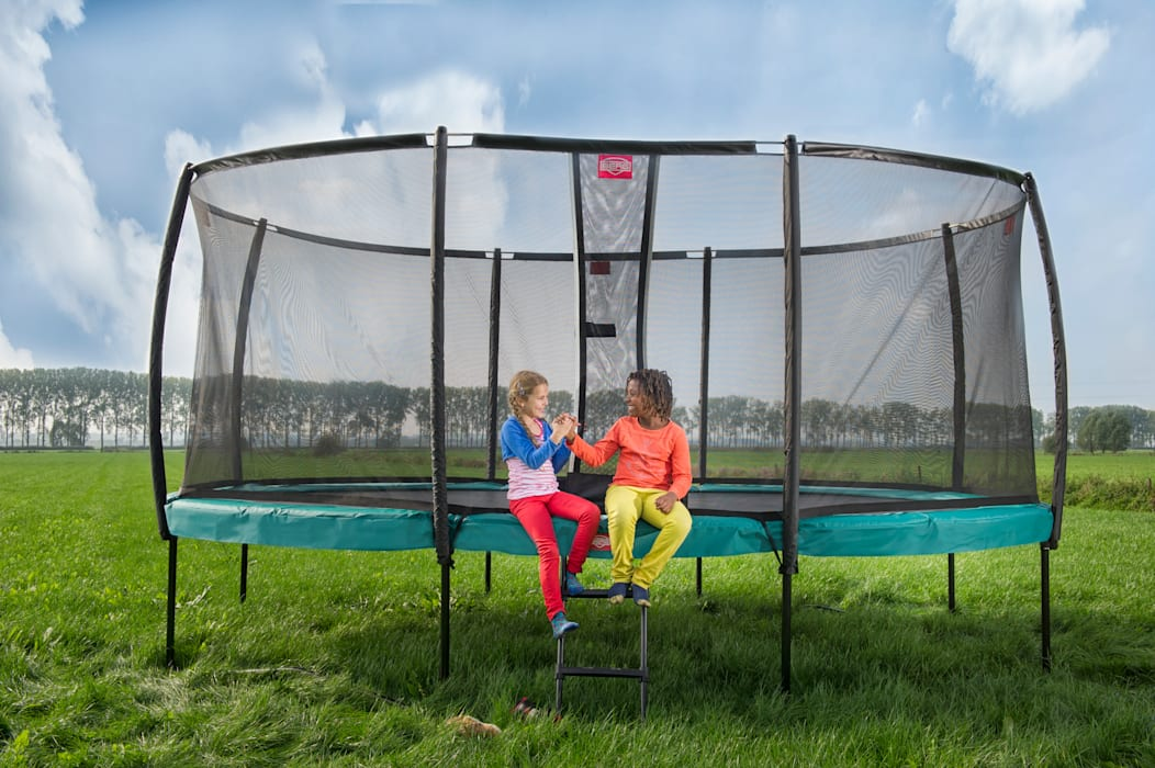 BERG Champion trampoline Garten im Landhausstil von BERG Toys B.V. Landhaus Plastik