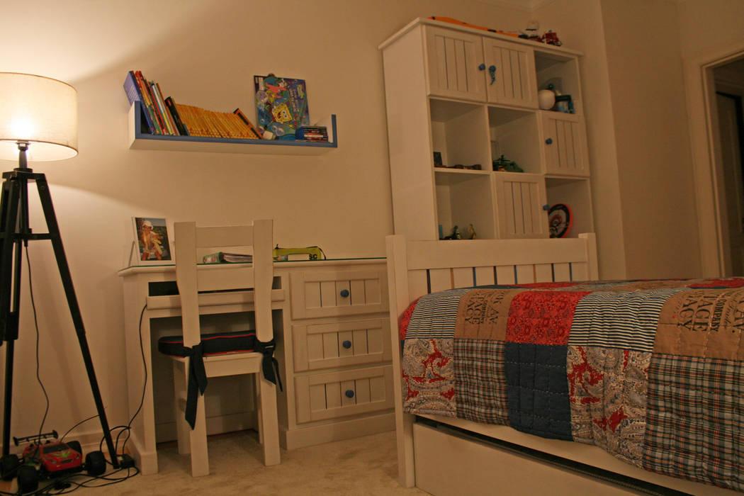 Quarto de menino Quartos de criança ecléticos por Oficina Rústica (OFR Unipessoal Lda) Eclético Madeira maciça Multicolor