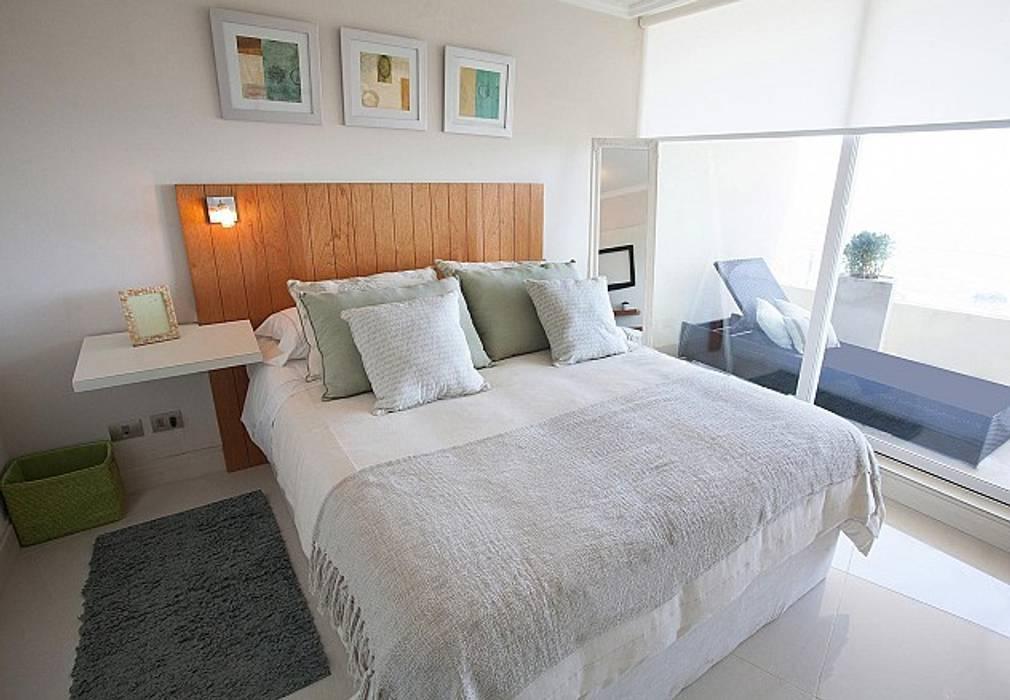 Dormitorios de estilo  por VdecoracionesCL