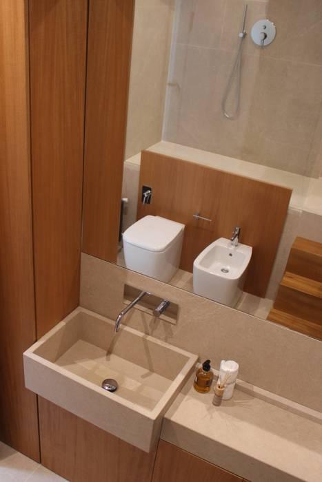 Bathroom by studioSAL_14, Minimalist Marble